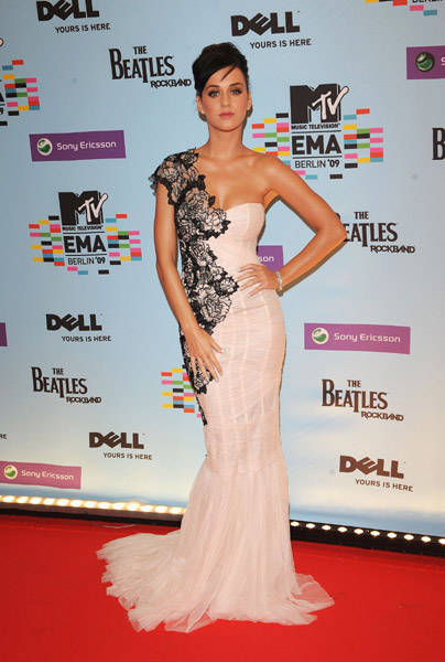 ema09 carpet 8 2009 MTV Europian Music Awards: Arrivals