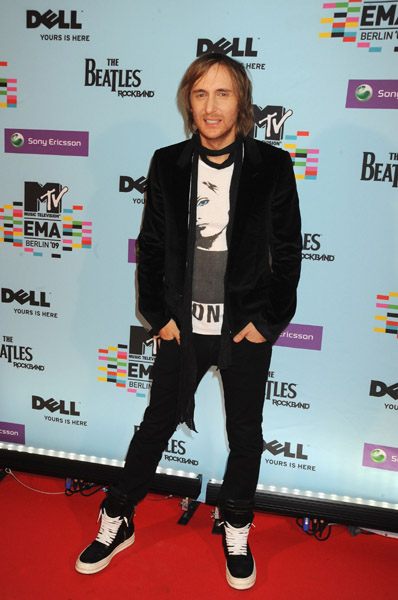 ema09 carpet 9 2009 MTV Europian Music Awards: Arrivals