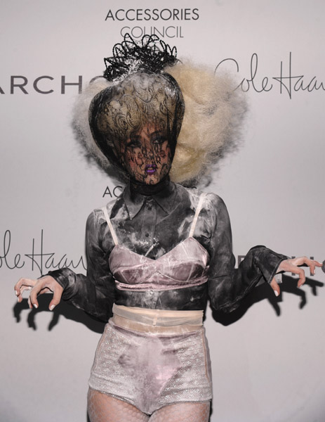 lady gaga a Hot Shots: Lady GaGa Goths It Up At ACE Awards