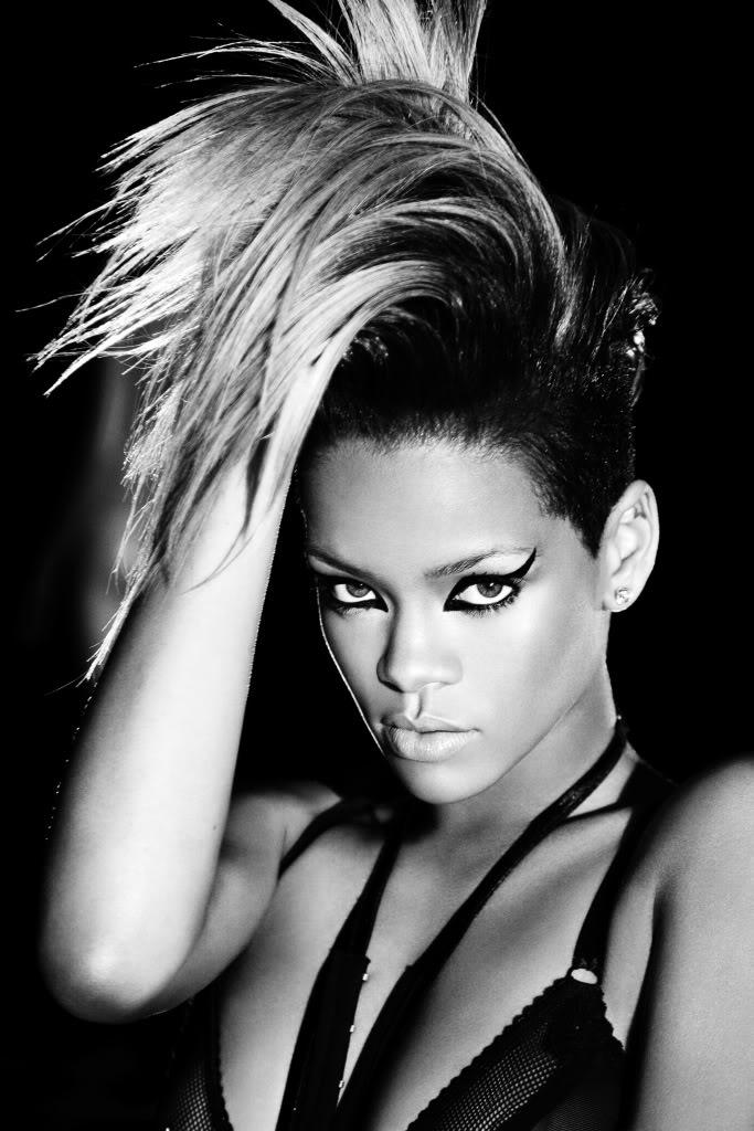Rihanna - Russian Roulette - goldeselto