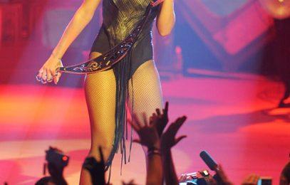 Rihanna Performs In London