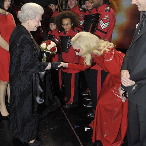 gaga meets queen Hot Shots: Lady GaGa Meets The Queen