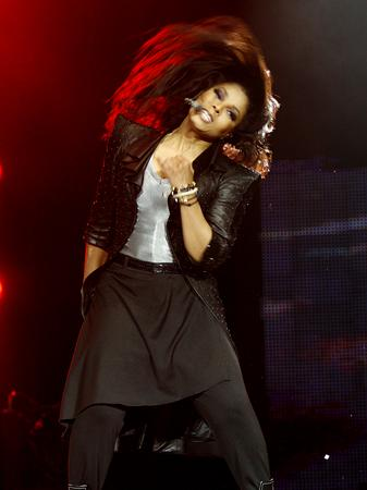 janet-jackson-on-stage-at-the-ji-2
