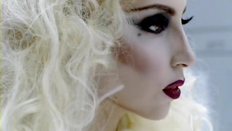 lady-gaga-bad-romance-official-video-6