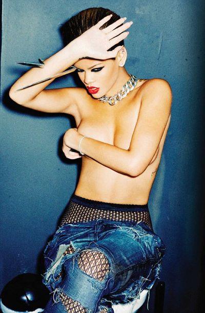 article 0 07b00efb000005dc 216 468x715 Rihanna Set To Perform At Grammy Awards