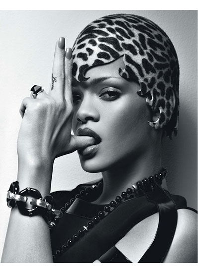 cess rihanna 01 v Rihanna Poses It Up In W Magazine (Hot!)