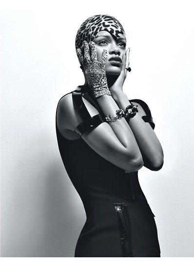 cess rihanna 04 v Rihanna Poses It Up In W Magazine (Hot!)