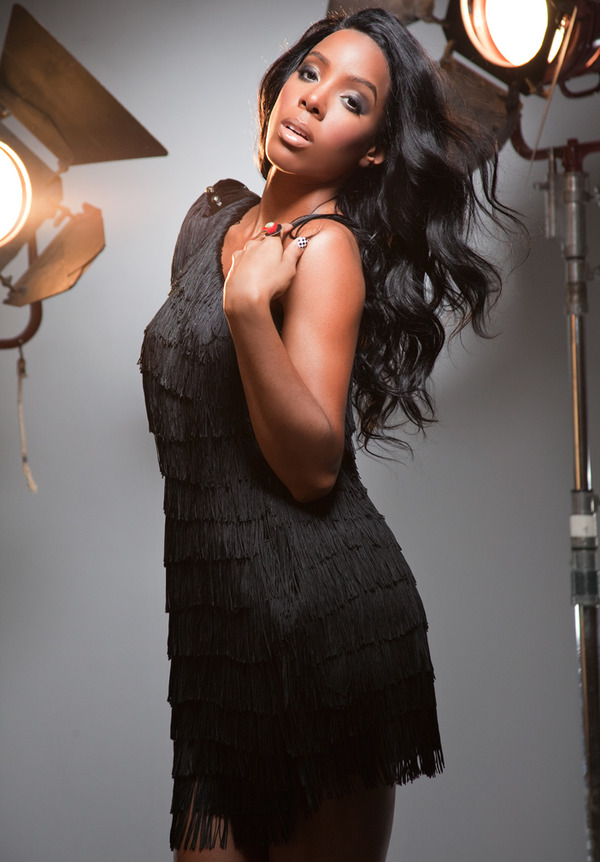 kelly3 New Song: Kelly Rowland   Wonderful Christmastime