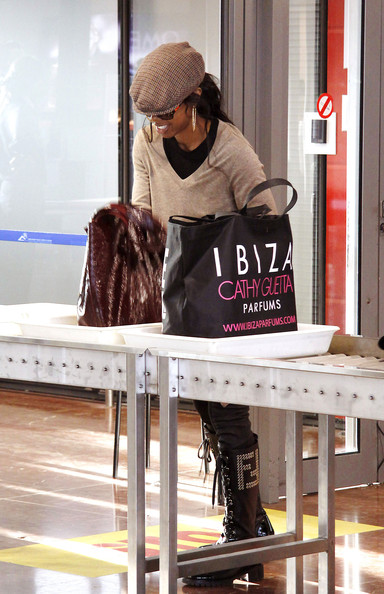 kellykel 3 Hot Shots: Kelly Rowland At Nice Airport