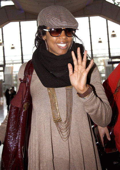 kellykel5 Hot Shots: Kelly Rowland At Nice Airport