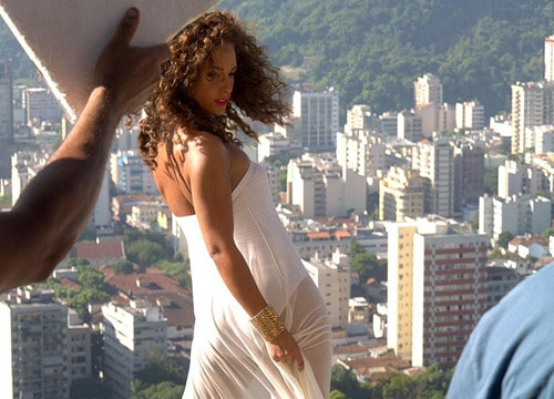 alicia 4 Hot Shots: Alicia Keys On Set Of Put It In A Love Song Video