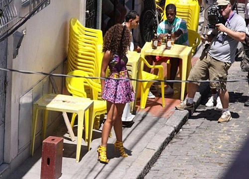 alicia work2 Hot Shots: Alicia Keys On Set Of Put It In A Love Song Video