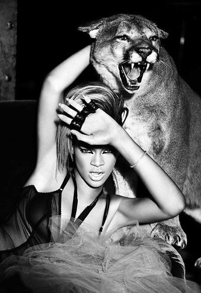 article 0 07b0108a000005dc 188 468x682 Rihanna Hits The Studio With David Guetta