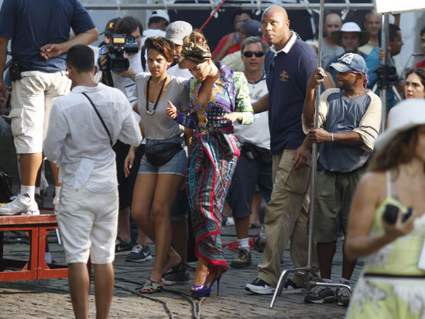 beyonce alicia 2 Hot Shots: Beyonce On The Set Of Put It In A Love Song Video