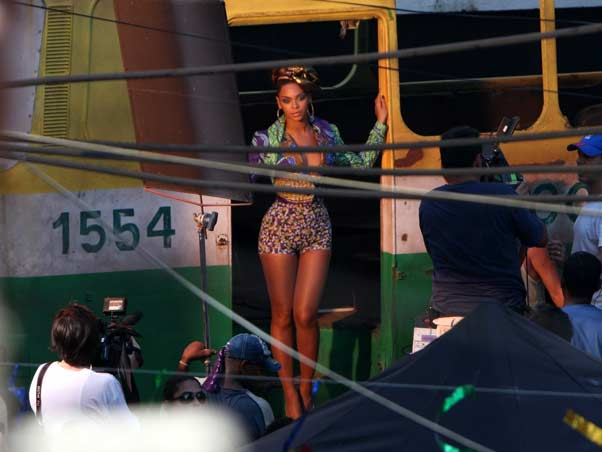beyonce alicia Hot Shots: Beyonce On The Set Of Put It In A Love Song Video