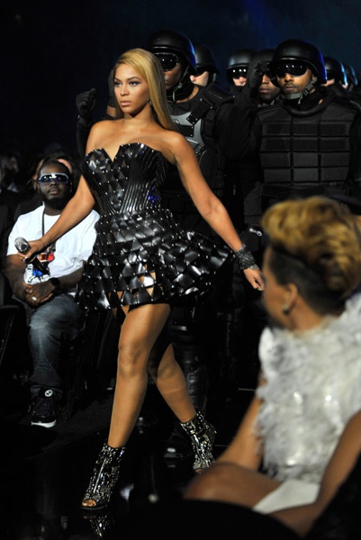 beyonce werk Hot Shots: More Grammy 2010 Pics