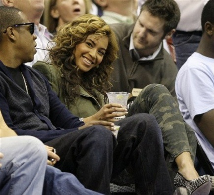 jb7 Hot Shots: Beyonce & Jay Z At Lakers Game