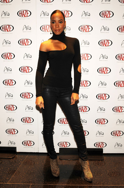 kelly haze 1 Hot Shots: Kelly Rowland At Haze Las Vegas