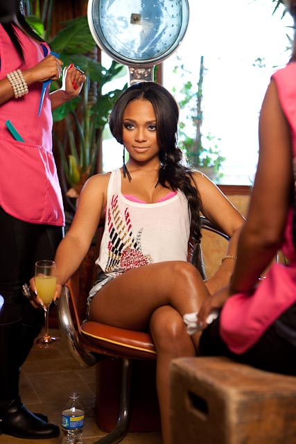 sponsor vid 5 Hot Shots: Teairra Mari & Soulja Boy Steam It Up In Sponsor Video