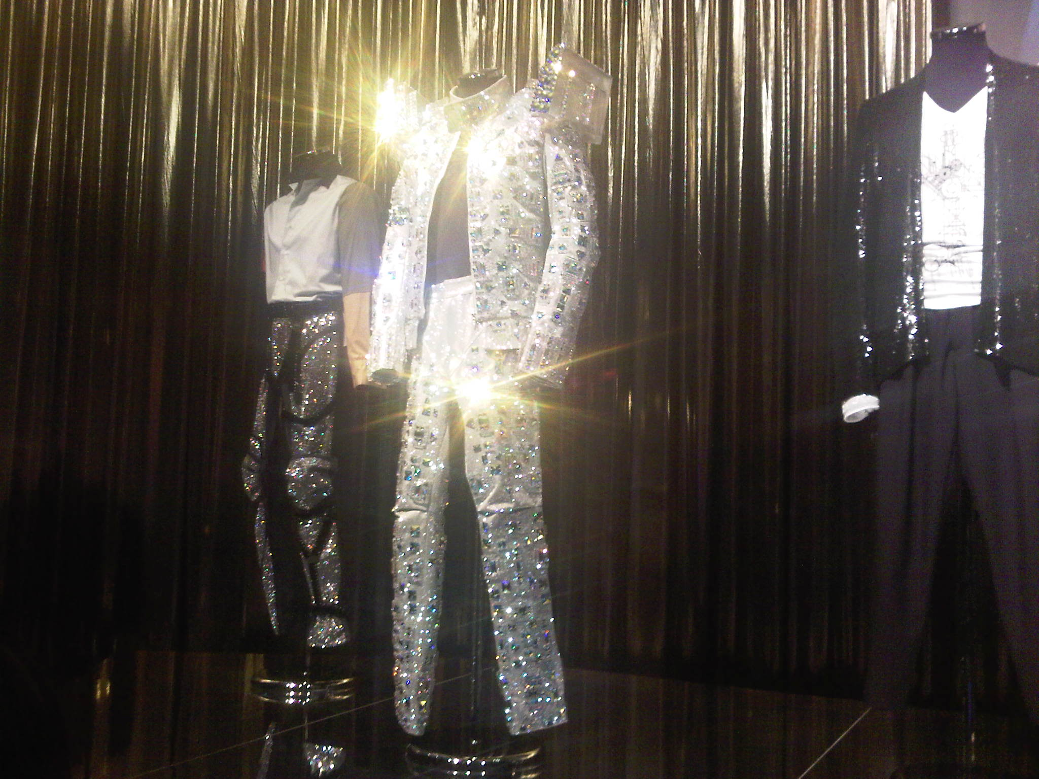 IMG00021 20100227 1639 Review: The Official Michael Jackson Exhibition / London