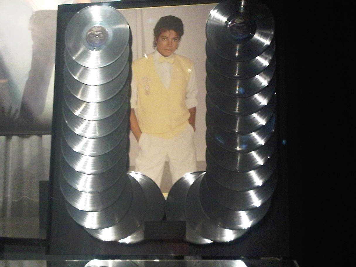 IMG00029 20100227 1714 Review: The Official Michael Jackson Exhibition / London