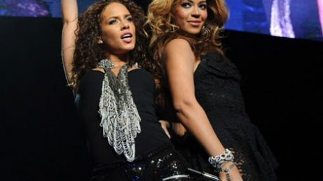 Alicia Keys & Beyonce Perform 'Put It In A Love Song' Live!