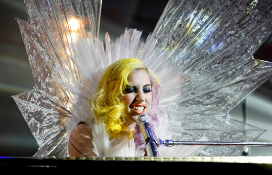 gaga ross 3 Hot Shots: Lady GaGa On Jonathan Ross Show (A Must See)