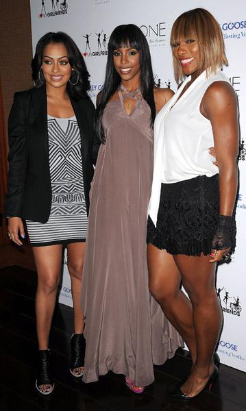 kelly heart Hot Shots: Celeb Friends Join Kelly Rowland For Charity Launch