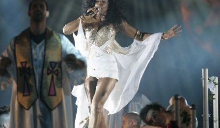 Kelly Rowland 'Takes Over' Sydney's Mardi Gras