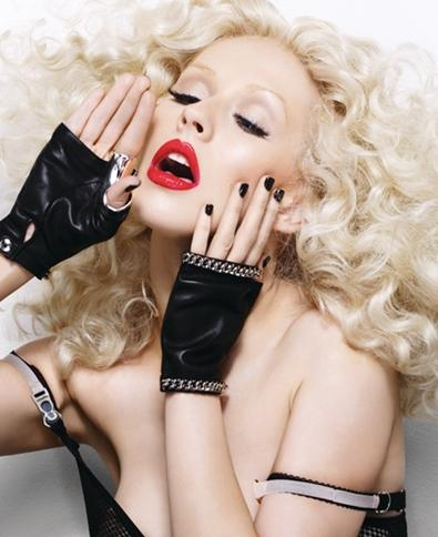 a9mr1y Hot Shot: Christina Aguilera In New Music Video
