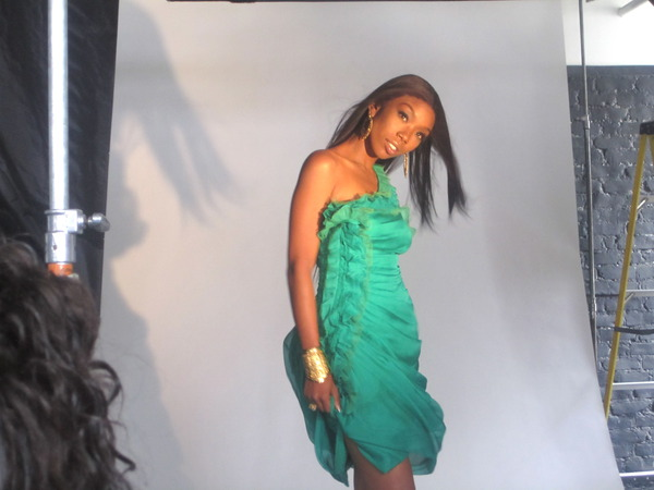 brandy ray2 Hot Shots: Brandy On Set Of Photoshoot