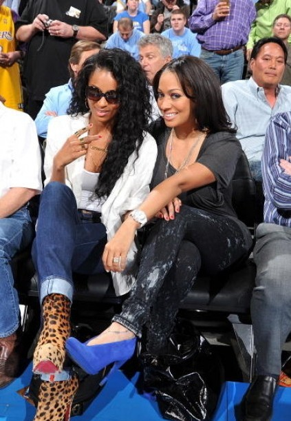 ciara lala e1271014325286 Hot Shot: Ciara & LaLa At Lakers Game