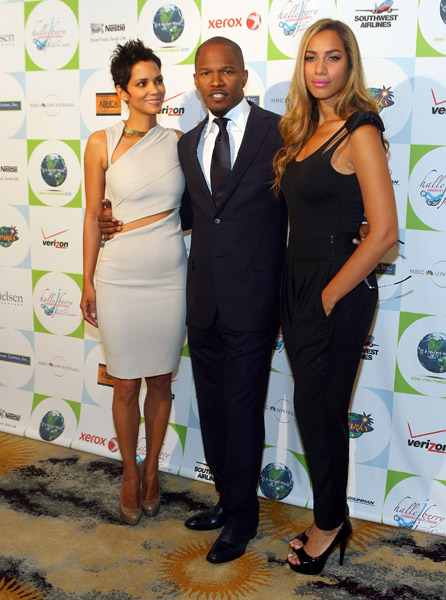 halle we Hot Shots: Jamie Foxx, Leona, Alicia Keys & Halle Berry At Jenesse Center Gala