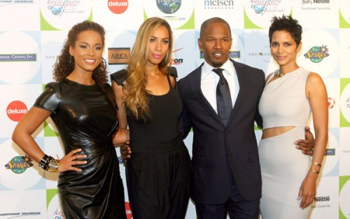 jamie f e1271671581871 Hot Shots: Jamie Foxx, Leona, Alicia Keys & Halle Berry At Jenesse Center Gala