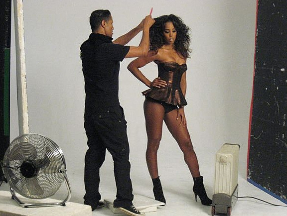 kelly dd Hot Shots: Kelly Rowland Shoots Cosmo Spread