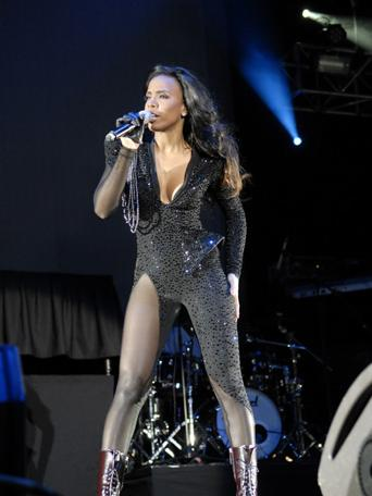 kelly rowland superfest b Hot Shots: Kelly Rowland Sizzles At Supafest