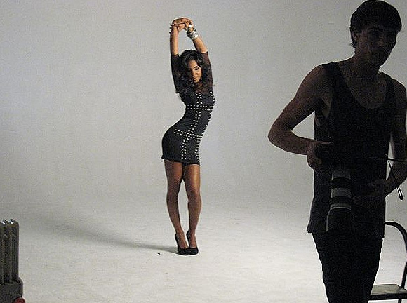 kelly v Hot Shots: Kelly Rowland Shoots Cosmo Spread
