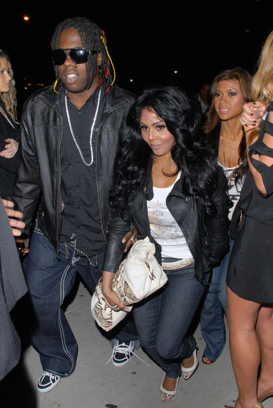 lil kim b Hot Shots: Lil Kim Out & About In LA