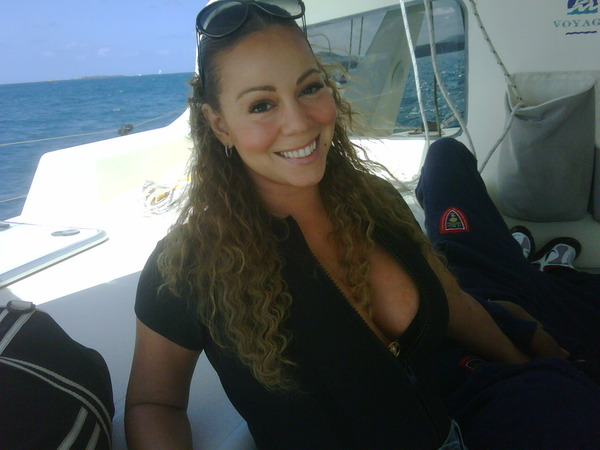 mcholidaypic Hot Shot: Mariah Carey On Vacation