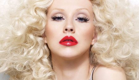 Christina Aguilera Performs 2 New Songs From 'Bionic'