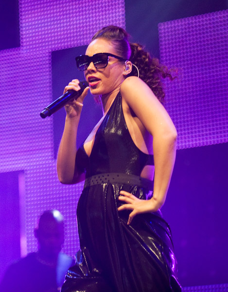 alicia 231 Hot Shots: Is Alicia Keys Really Pregnant?
