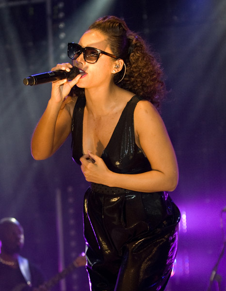 alicia 321 Hot Shots: Is Alicia Keys Really Pregnant?
