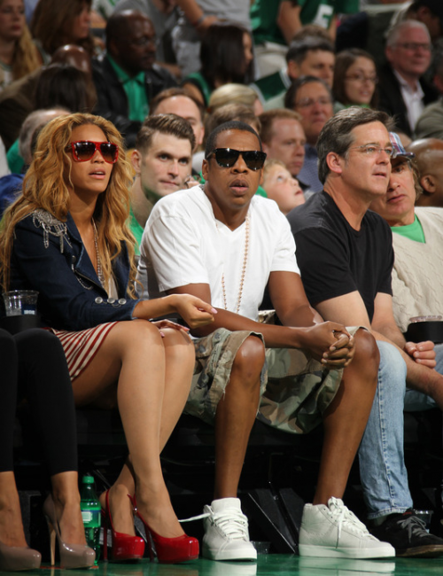 beyonce 12 e1273326989350 Hot Shots: Beyonce & Jay Z At Boston Celtics Game