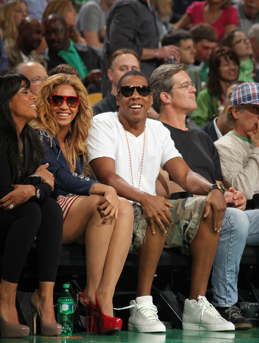 beyonce 7 Hot Shots: Beyonce & Jay Z At Boston Celtics Game
