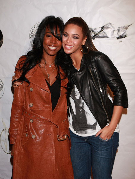 http://thatgrapejuice.net/wp-content/uploads/2010/05/beyonce-kelly.jpg