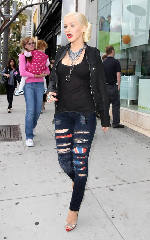 christina Hot Shot: Christina Aguilera Spotted In Beverly Hills