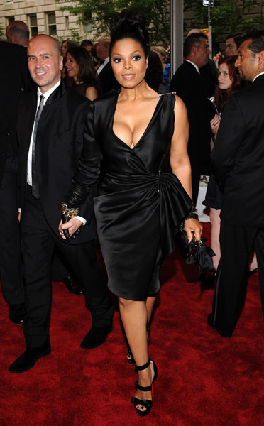 janet11 Hot Shots: Janet At MET Gala