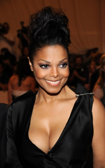 janet555 e1272939233296 Hot Shots: Janet At MET Gala