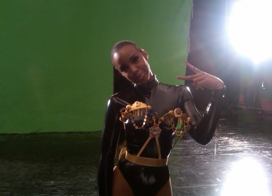 kellykells Hot Shots: Kelly Rowland Shoots Commander
