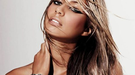Leona Lewis Wows Fans At 'Labyrinth' Tour Kick-Off